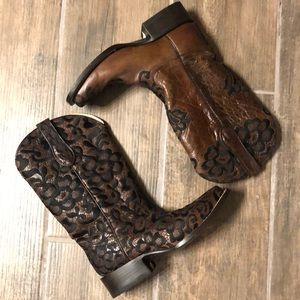 Corral Chocolate/Floral Lace Boots